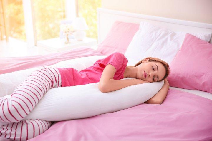 おすすめの抱きまくら人気ランキングTOP10!いびき対策や洗濯できるものにも注目!