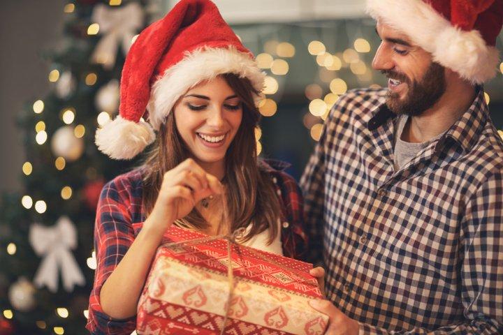彼女が喜ぶ人気&おすすめクリスマスプレゼントランキング2019!予算やサプライズアイデアも大特集