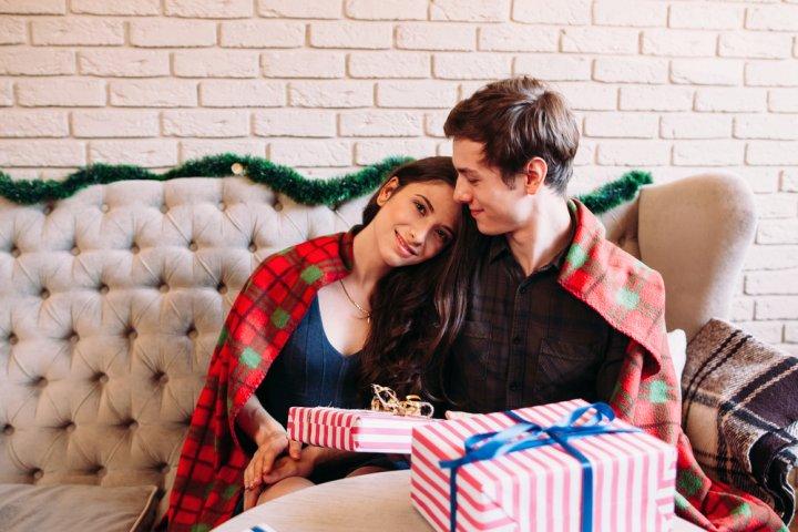 クリスマスプレゼントで彼女が喜ぶストール 人気ブランドランキング20選【2019年最新おすすめ特集】