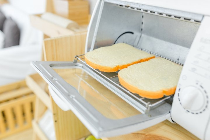 プレゼントに人気のおしゃれなオーブントースター12選!縦型やコンパクトなものなどおすすめを厳選紹介!