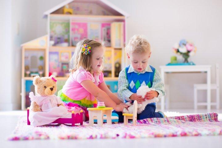 4歳の誕生日に人気のプレゼントランキング2020!おもちゃや絵本などのおすすめを紹介