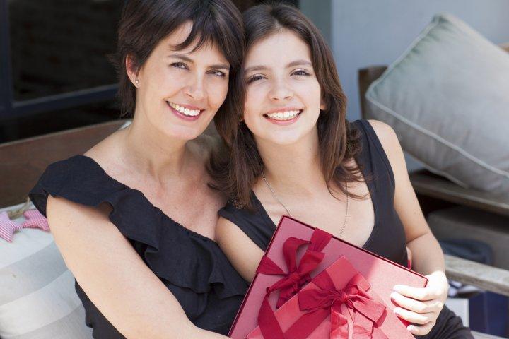 40代の母・義母は何が嬉しい?誕生日に贈りたいプレゼントアイデア特集