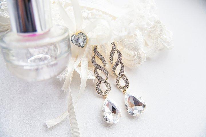プラチナイヤリングのプレゼント2018!今女性に人気なのはパールやダイヤつき!