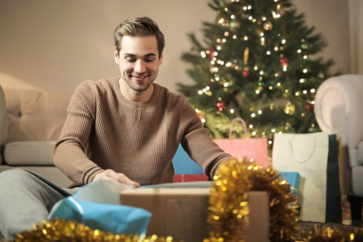 男友達に喜ばれるクリスマスメッセージ!書き方のポイントや文例をご紹介!
