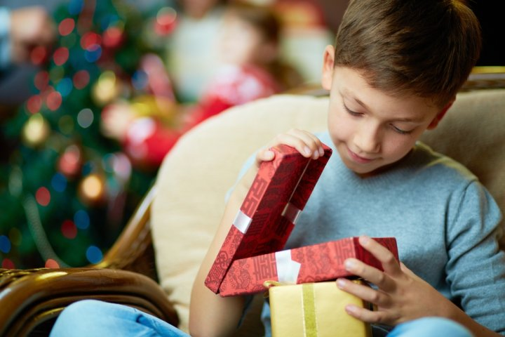 小学6年生の男の子に人気のクリスマスプレゼントランキング2019!ドローンやゲームソフトがおすすめ