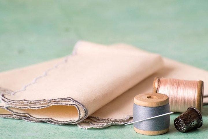プレゼントに人気の名入れハンカチ12選!刺繍入りやガーゼハンカチもご紹介