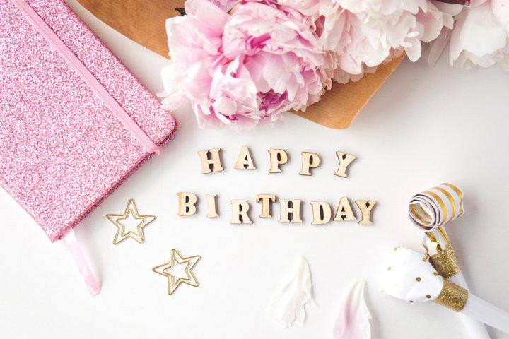 職場の女性がもらって嬉しい誕生日メッセージ!書き方のポイントや文例を徹底解説!