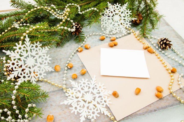 今すぐ使えるクリスマスメッセージ集!社会人の彼女に喜ばれる文例やポイントをご紹介!