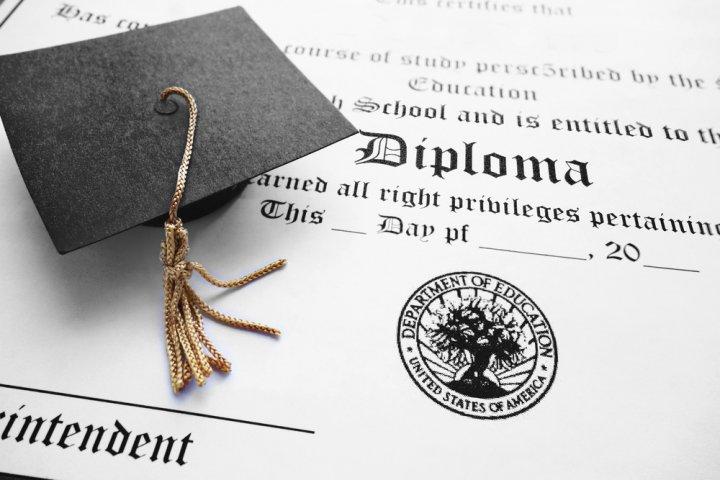 使える文例付き!大学の卒業祝いに喜ばれるお祝いメッセージ特集!