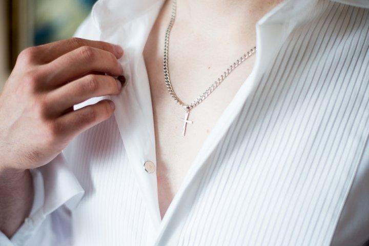 大切な女性にダイヤクロスネックレス ブランド12選【2020年最新版】