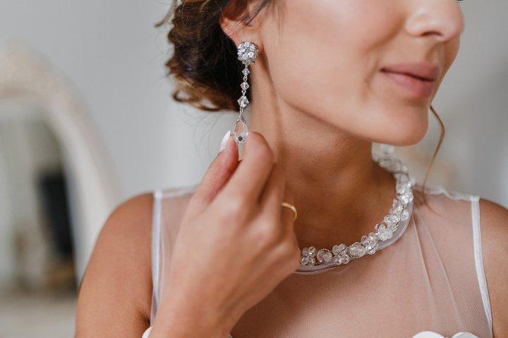 女性に人気のダイヤのレディースイヤリングおすすめブランド12選【2021年最新版】