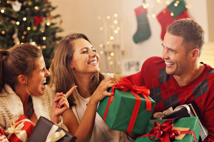女友達が喜ぶ5000円のクリスマスプレゼントランキング2019!アロマやポーチが大人気