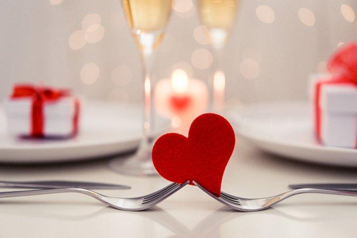 結婚10年目の錫婚式・アルミニウム婚式に人気のプレゼントランキング2019!アクセサリーがおすすめ