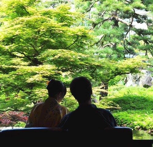 カップルの誕生日旅行におすすめ!鳥取の人気温泉宿で思い出に残るお祝いを。