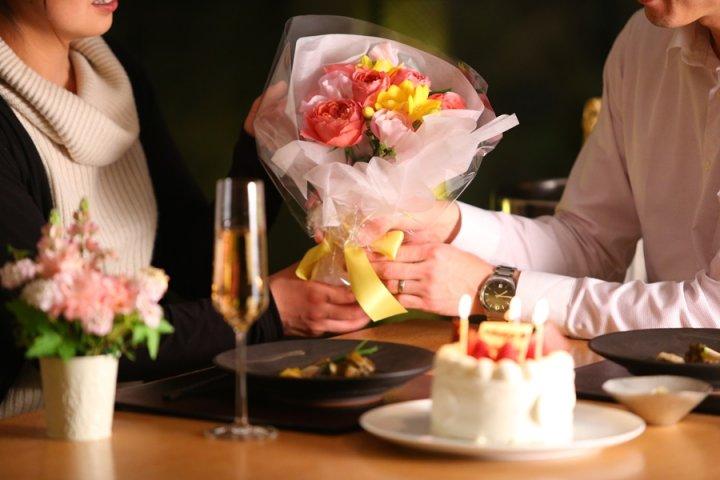 神奈川の温泉宿で結婚記念日をお祝い!アニバーサリープランも大人気