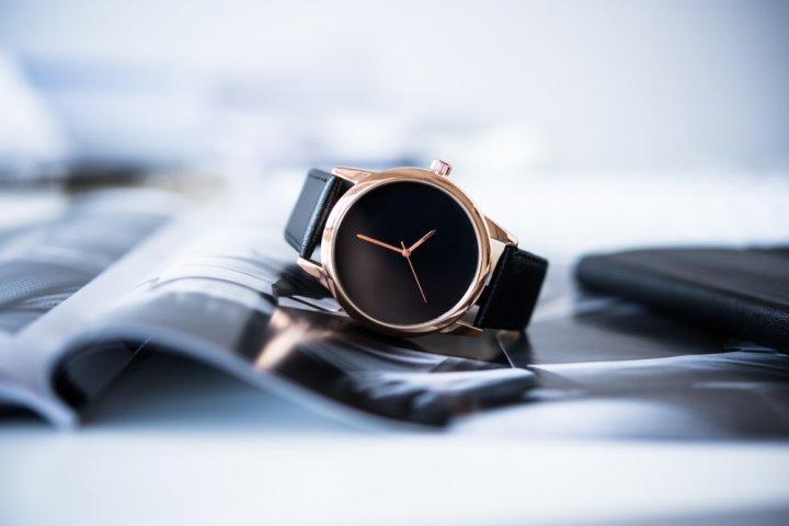 a6c59f0e66 薄い腕時計が男性に人気!プレゼントの予算に合わせておしゃれな商品をご ...