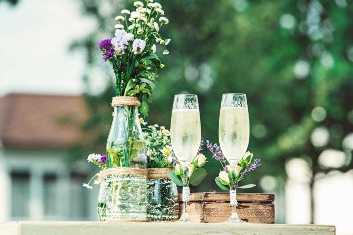 結婚祝いに人気のペアグラスが勢ぞろい!有名ブランドや名入れができるペアグラスがプレゼントにおすすめ!