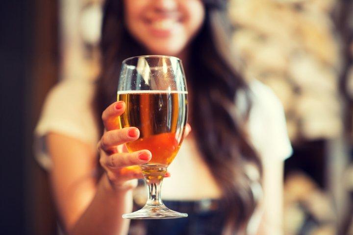 美味しく飲もう!ビールやお酒好きの女性へのプレゼントアイデア25選