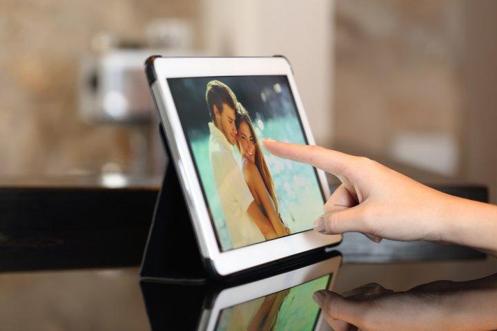 ブランドデジタルフォトフレーム 12選!動画再生機能付きや大画面などの人気プレゼントを徹底紹介