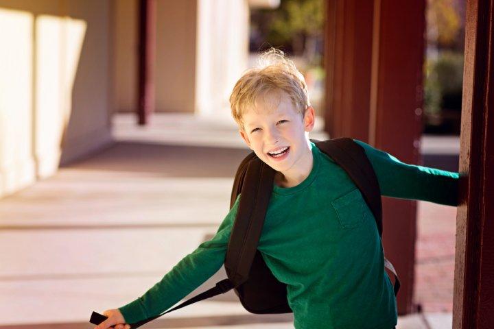 152dd63be5e14 男の子に喜ばれる小学校の入学祝いプレゼント15選!人気ランキングやメッセージ