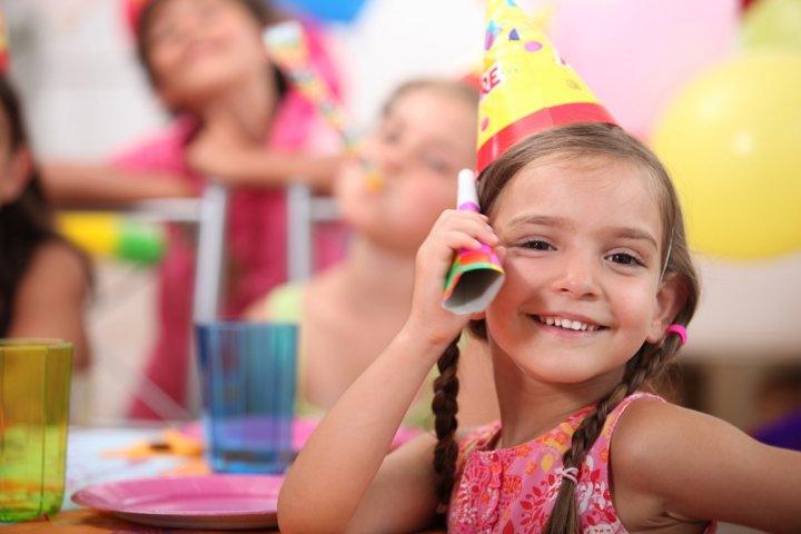 6歳の女の子に喜ばれる誕生日プレゼント 人気ランキングTOP10!予算メッセージ文例も紹介
