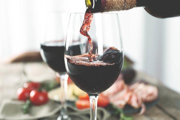 ブランドワイングラス人気ランキング2019!バカラやリーデルなどのおすすめプレゼントを紹介