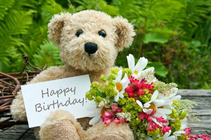 中学生の女の子に喜ばれる誕生日メッセージ!書き方のポイントや文例を徹底解説!