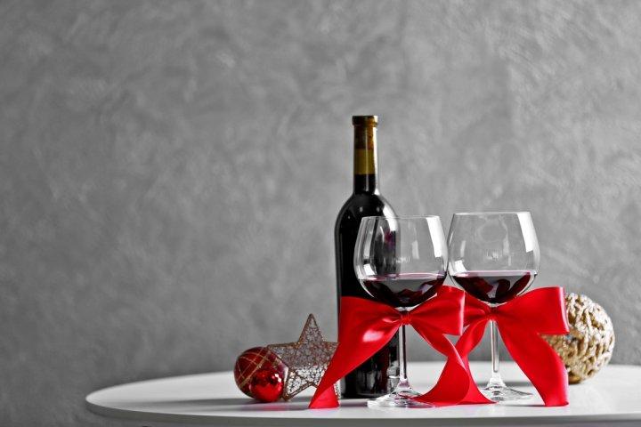 大切な方に贈る高級な赤ワイン2018!イタリアやフランス産のほか貴重な国産ワインもご紹介