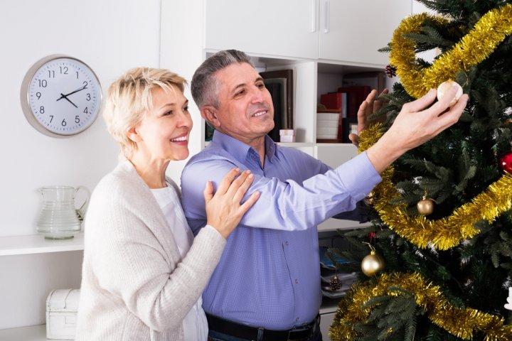 50代の男性に人気のクリスマスプレゼントランキング2019!万年筆や名刺入れなどがおすすめ