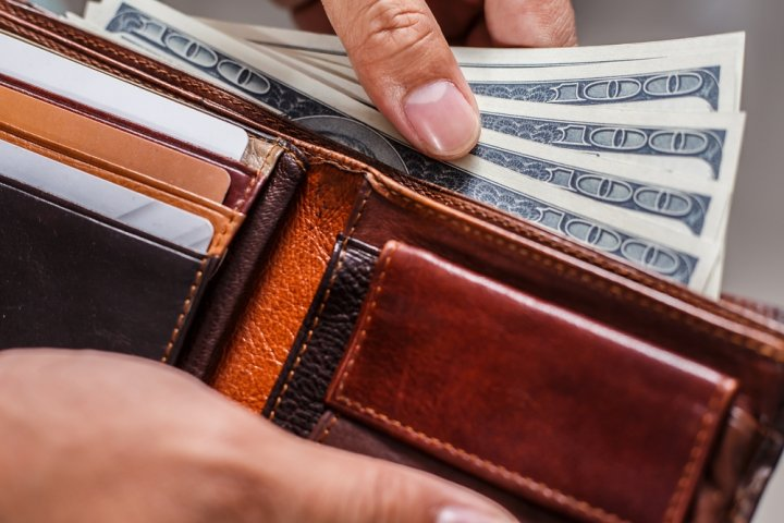上品さで人気のコードバンの二つ折り財布おすすめブランド11選【メンズ・レディース】