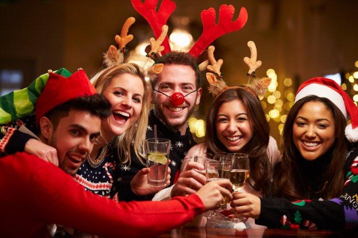 大学生や20代・30代社会人の男友達に喜ばれるクリスマスプレゼント特集!人気ランキングやメッセージ文例も紹介!