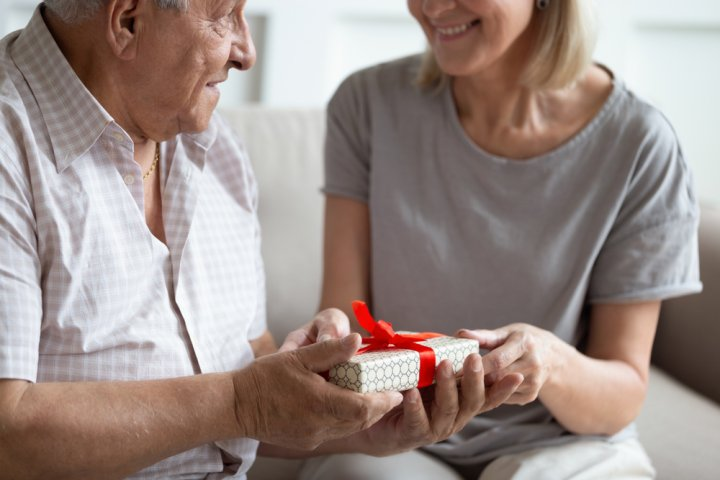 父へ贈る退職祝い・定年退職祝い 人気&おすすめギフト44選!喜ばれるメッセージ文例も紹介!