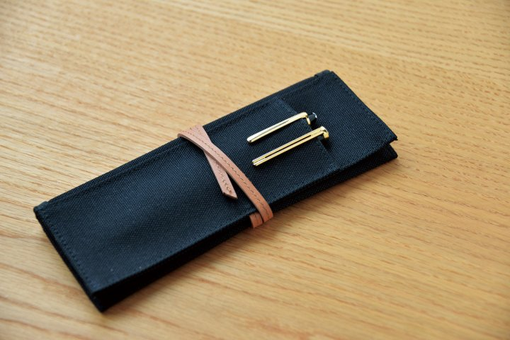 入れる物を分けられる3種類の便利なポケットが付いた「Pen Case 3pockets」の開発秘話を大特集!|株式会社コクヨMVP