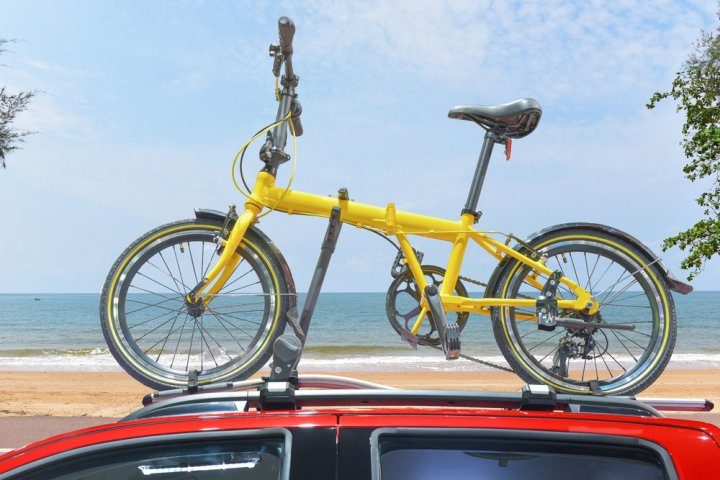 今人気の折りたたみ自転車を厳選!超軽量タイプや電動アシスト付きに注目!