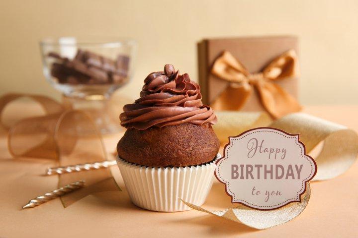 男性の上司に喜ばれる誕生日メッセージ!役立つ文例や書き方のコツを徹底解説!