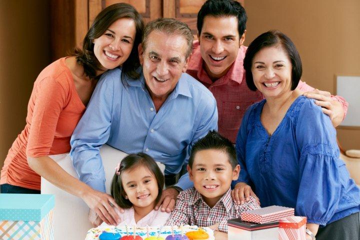 父や上司など男性に人気の還暦祝いプレゼント10選!予算相場や喜ばれるメッセージ文例も紹介!