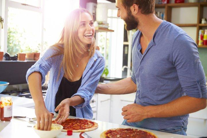 結婚祝いに人気のお揃いペアグッズ特集2020!ペア食器、ペアグラス、ペアパジャマなどのおすすめプレゼントをランキングで紹介