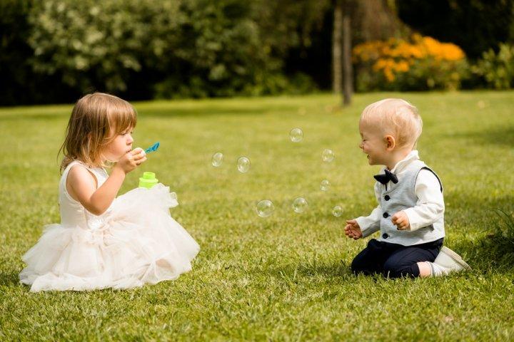 結婚式で子供のゲストに喜ばれる人気のプレゼントランキングTOP15!