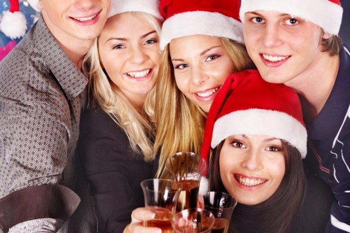 大学生の男友達に人気のクリスマスプレゼントランキング2019!予算相場や喜ばれるメッセージ文例も紹介!