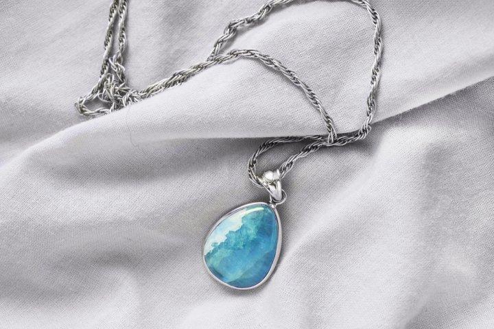 アクアマリンのネックレスが人気のブランド12選【3月生まれの女性へのプレゼントにもおすすめ】
