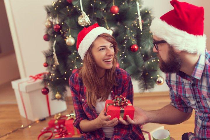 20代の妻が喜ぶクリスマスプレゼント特集!人気ランキング2018!