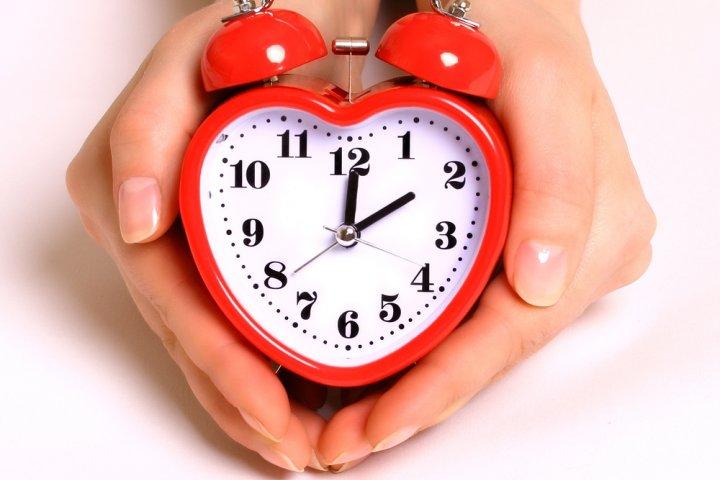 07d1b947c31e3 女性の誕生日に喜ばれるブランド目覚まし時計のプレゼント 人気ランキング2019!