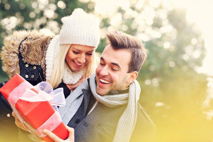 40代の彼氏に人気のクリスマスプレゼント特集!予算相場やおすすめの過ごし方、喜ばれるメッセージ文例も紹介!
