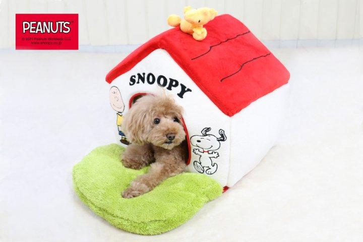 ウッドストック型のおもちゃがかわいい「スヌーピー ペットハウスM 赤屋根芝ハウス」の開発秘話を取材|株式会社クリエイティブヨーコ