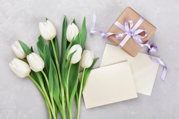 先輩・目上の方に感動を贈る誕生日メッセージ集!文例や書き方のポイントも!