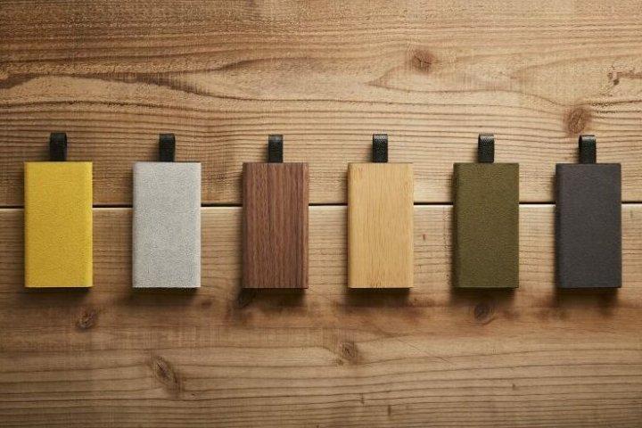ケーブルとバッテリーが一体化!スマートフォンを重ねてもスリムに充電できる「TAGPLATE Lightning」の開発秘話を取材|トリニティ株式会社