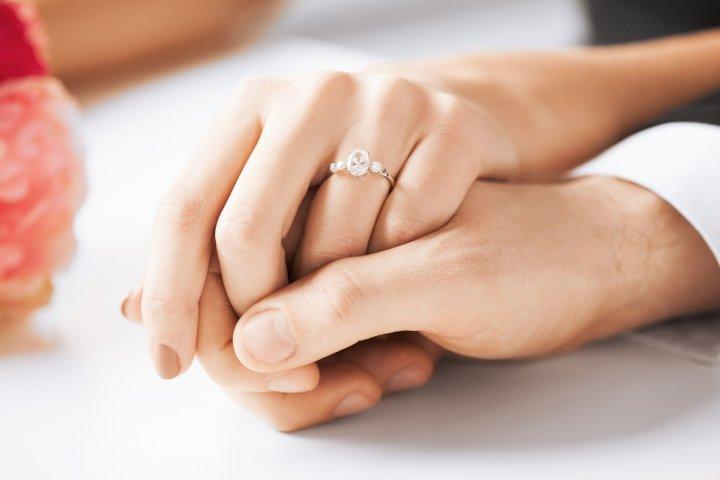 人気のブランド婚約指輪ランキング2019!ティファニーや4℃などのおすすめプレゼントを紹介