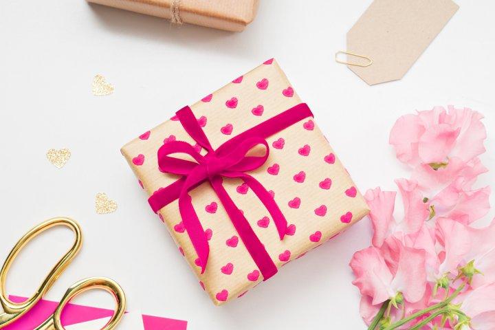 大学生の女性に贈る誕生日プレゼントアイデア35選!本当にうれしいのはコレ!