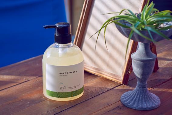 業界初の植物系ドライクリーニング溶剤を配合した洗剤「pasha basha(パシャバシャ)ドライ」の開発秘話に迫る 株式会社サンワード