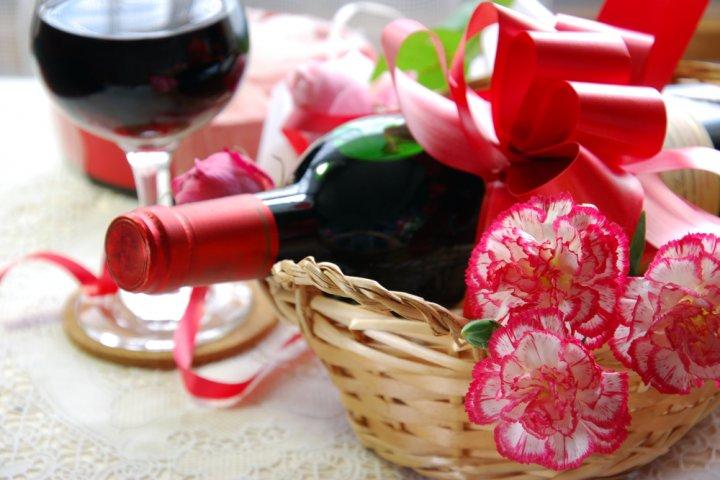 母の日に人気のワイン12選!花やチーズとセットになったおしゃれギフトがおすすめ!